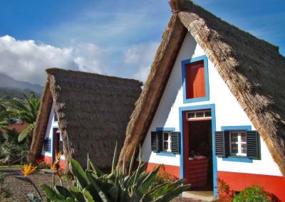 Casas-de-Santana-Madeira